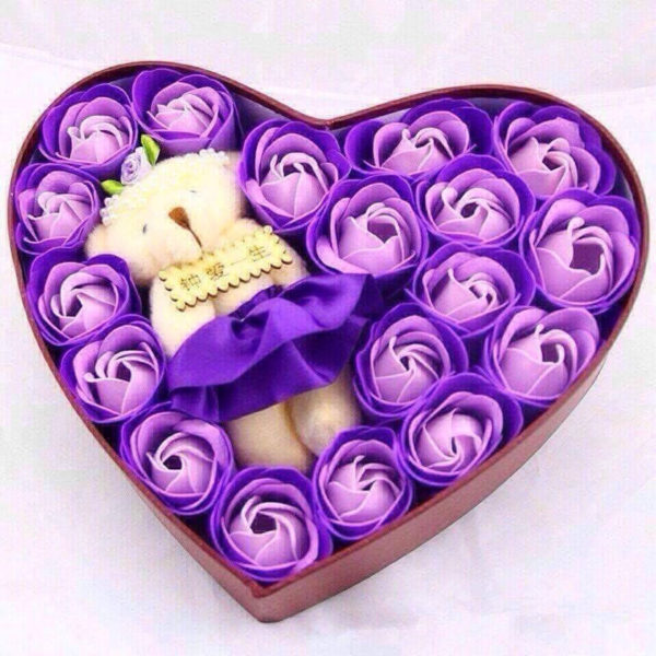 Hộp tim hoa hồng sáp 21 bông có gấu