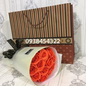 Bó hoa hồng sáp 11 bông cam