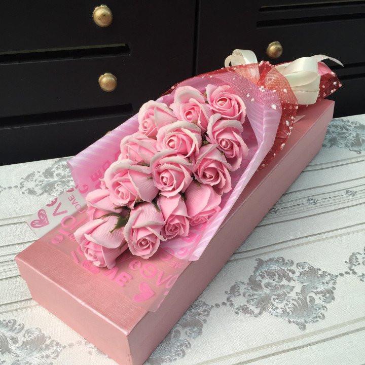 hộp hoa hồng sáp 19 bông hông phấn