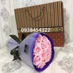 Bó hoa hồng sáp 11 bông hồng phấn